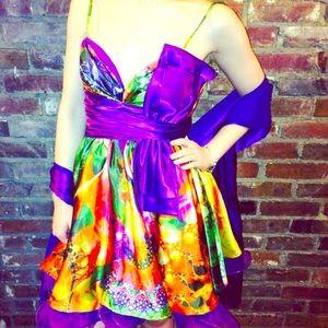 Floral fantasy cocktail dress Alyce size 4